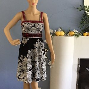 Beautifully taylored Adrianna Papell dress!